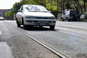 Езда по трамвайным путям встречного направления